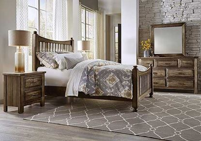 Maple Road Mansion Bedroom in a Maple Syrup finish